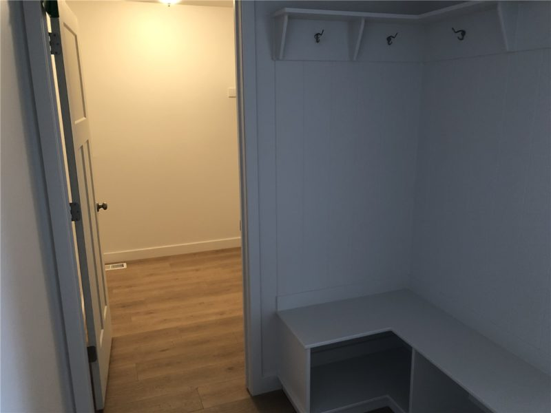 Mudroom and bedroom entrance in 4 bedroom rental listing in Heber